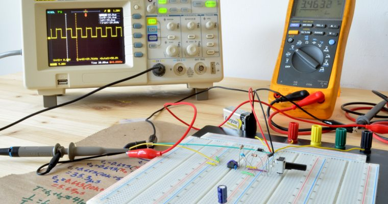 Adjust the Duty Cycle of the 555 Timer without Changing the Frequency